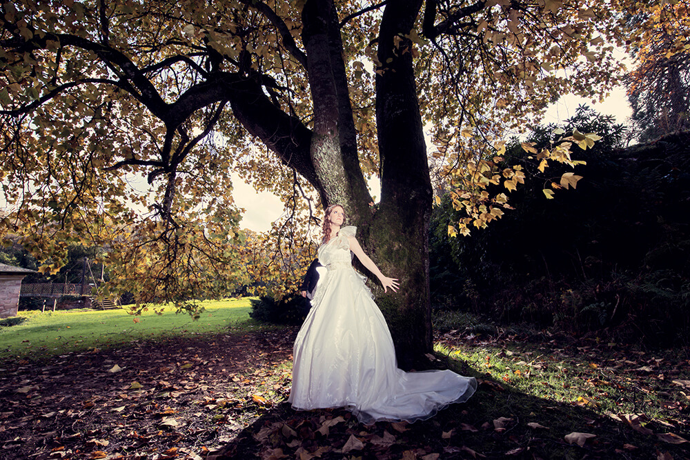 Wonderful mature trees at Sorn Castle can work at any time of the year. Photography by Ayrshire wedding photographer Richard Campbell